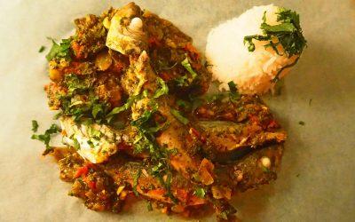 Chicarros (o sardinas) con tomate y jengibre al curry