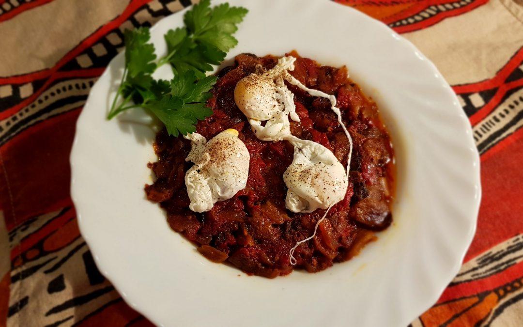 Huevos de codorniz con Caponata Siciliana (ragú de berenjenas)