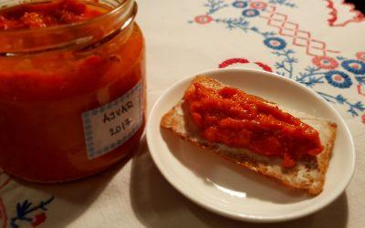 Ajvar (o agvar) de pimientos y berenjenas.