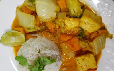 Ragú de tofu con batata y brécol.