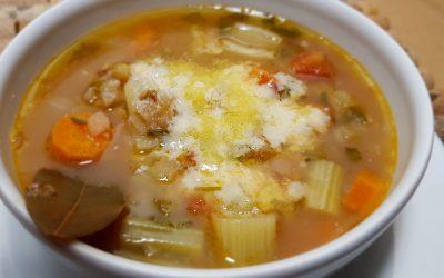 Sopa italiana de lentejas y apio