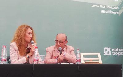 Entrevista en la Feria del libro de Valencia.